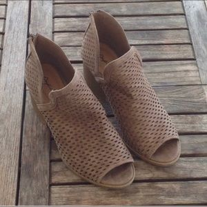 Booties! Super cute cut out!